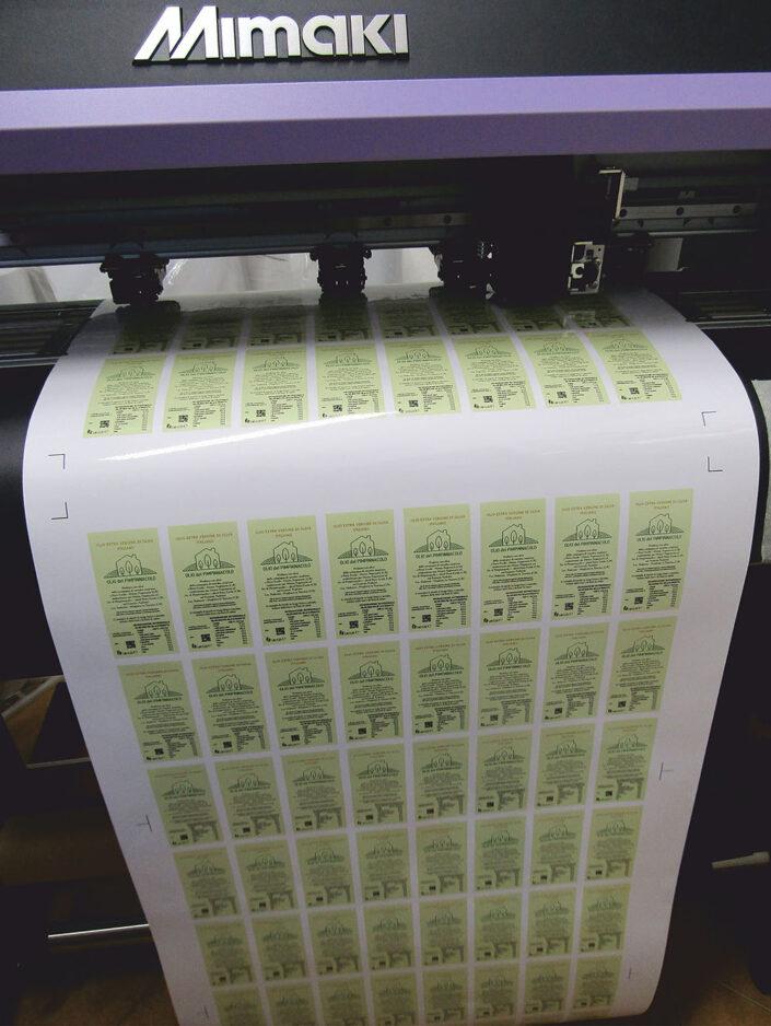 Stampa digitale - Intaglio adesivo